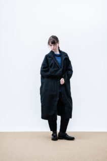 Coat : [ A6_F131C ] FFCT 44,500+tax br; Turtleneck Cut&Sewn : [ A6_F032T ] FVTT 14,500+tax br; Pants : [ A6_F132P ] FESL 27,000+tax br;