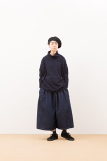Turtleneck Cut & Sewn : [ A7_F123TN ] FOSTN 16,500+tax br; Pants : [ A7_F154P8 ] FG8PT 20,000+tax br;